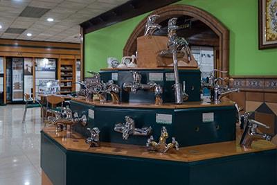 sanitarios-y-griferias-arjomi-gallery