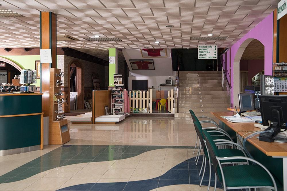 eriales de Construcción Arjomi Fernández 11