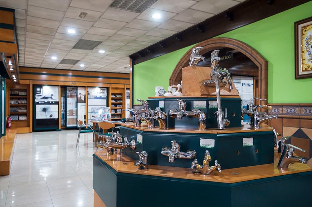 eriales de Construcción Arjomi Fernández 9